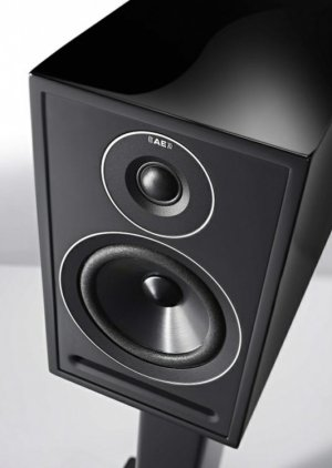 Acoustic Energy 3-Series 301 gloss black