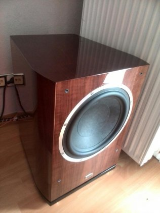 Сабвуфер Heco Celan GT Sub 322A piano espresso