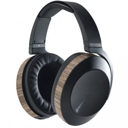 Audeze EL8 Black Closed with Apple cable