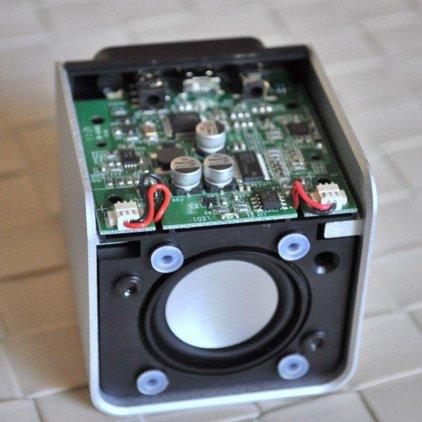 NuForce Cube Speaker blue