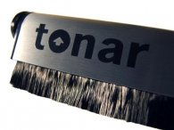 Tonar Dust Jockey carbon fiber and velvet brush combo