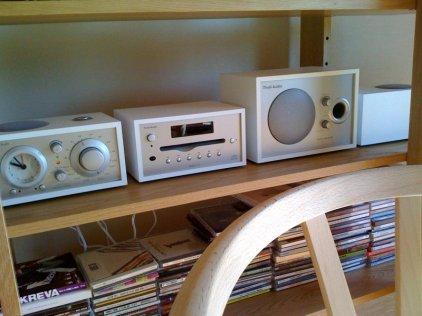 Радиоприемник Tivoli Audio Model Three white/silver (M3WHT)