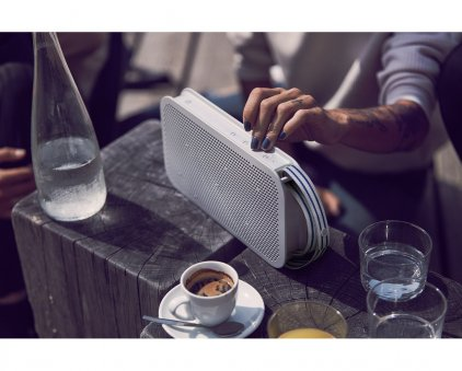 Bang & Olufsen Beoplay A2 Active natural
