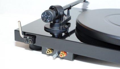 Pro-Ject Debut Carbon (DC) piano black (Ortofon OM10)