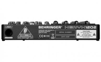 Микшерный пульт Behringer 1202