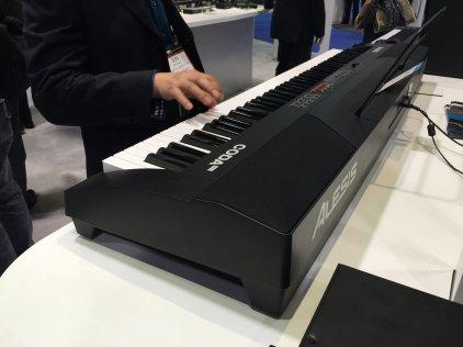 Клавишный инструмент Alesis CODA PRO
